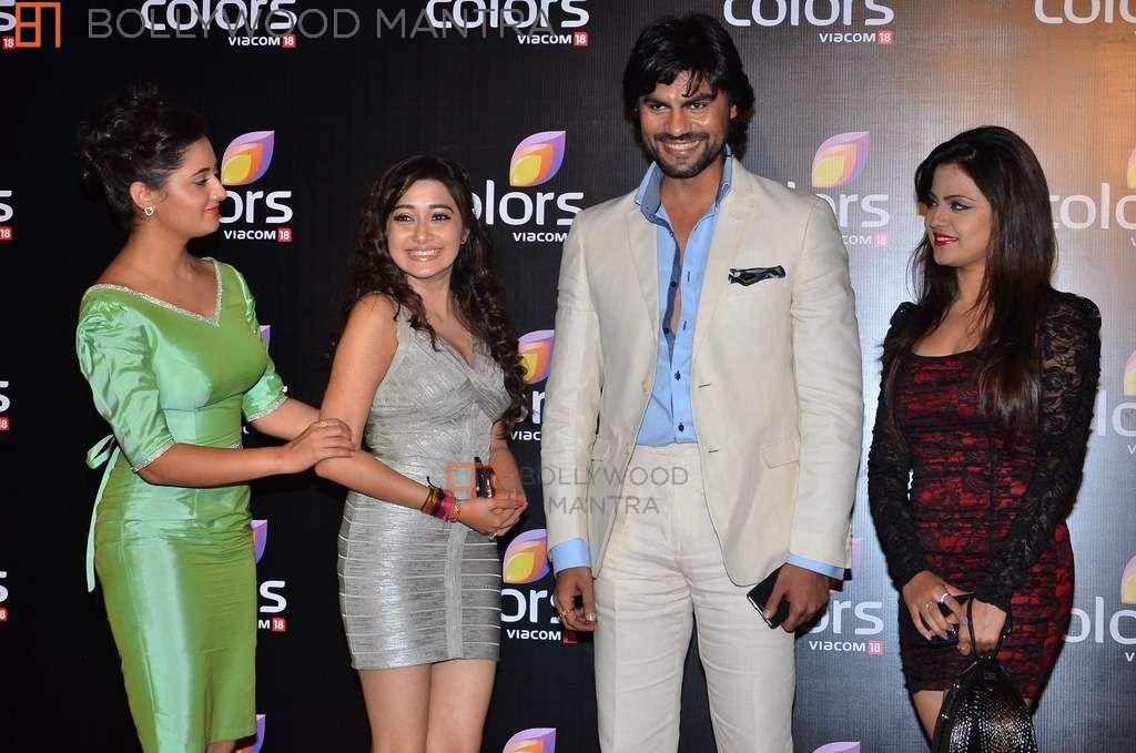 მსახიობები და მათი მეგობრები - Page 3 Rashmi_desai_tina_dutta_gaurav_chopra_720614