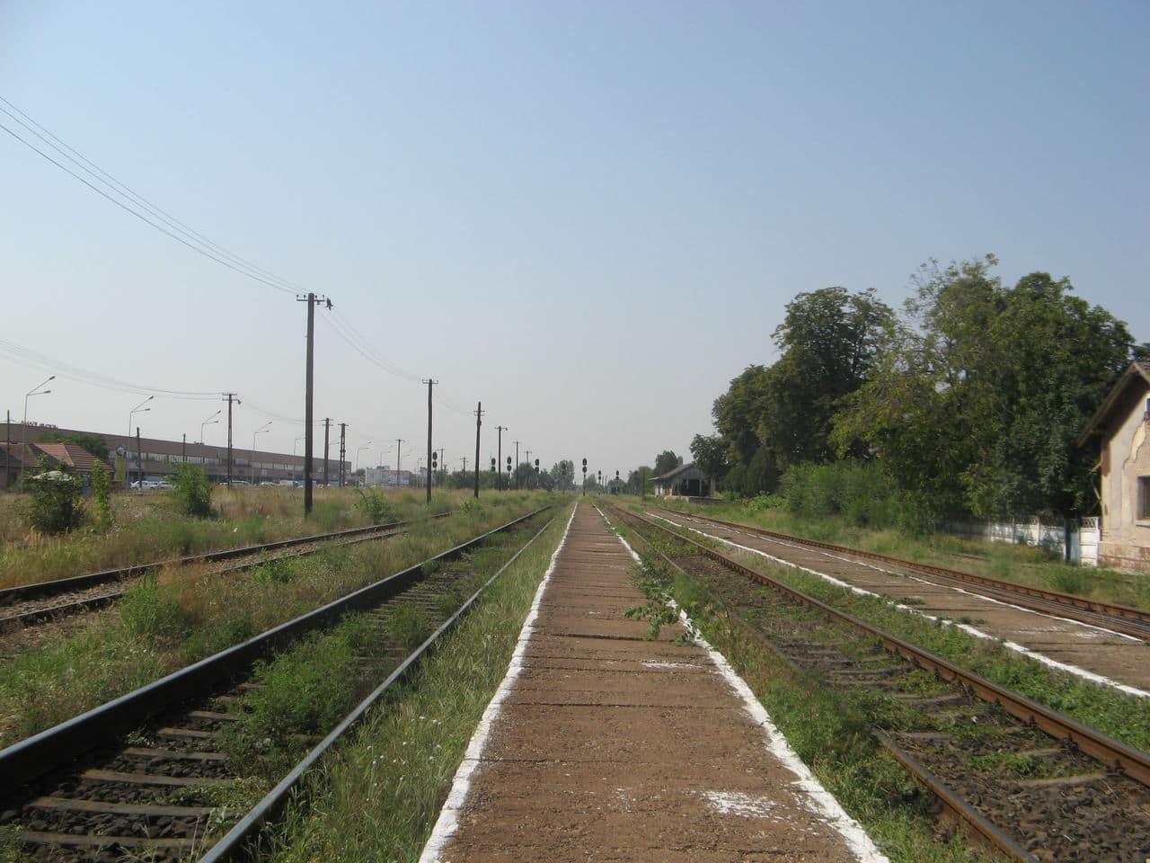 Calea ferată directă Oradea Vest - Episcopia Bihor IMG_0002