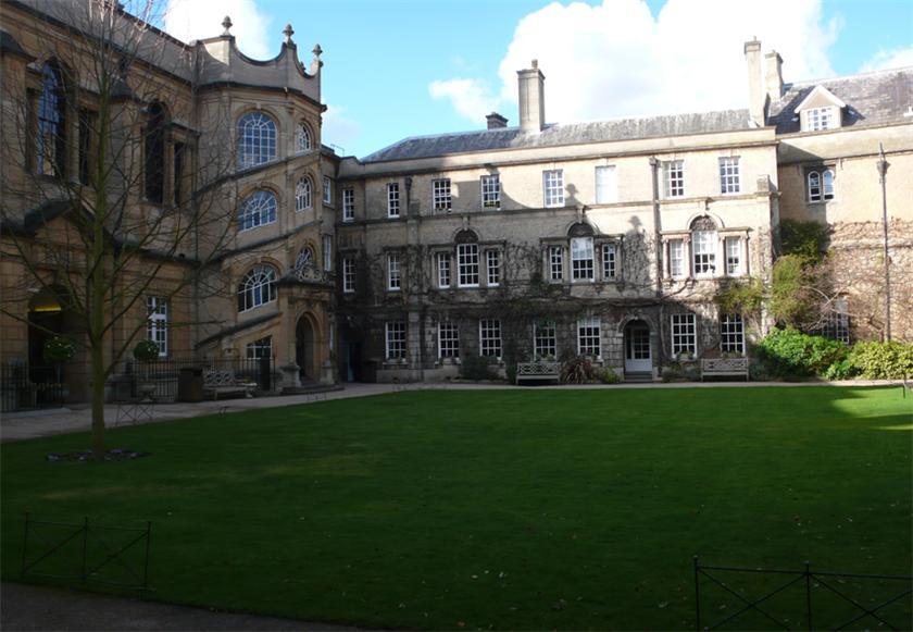 Самые красивые и известные высшие учебные заведения мира A8dea058a1f6t