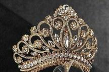 تيجان ملكية  امبراطورية فاخرة Crown-fashion-girl-inspiration-Favim.com-5028657