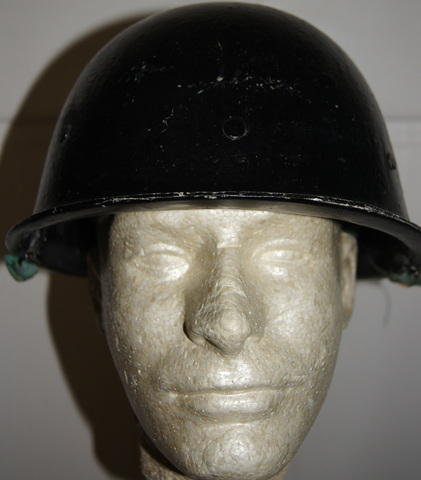 Black Painted Iraqi Helmet DSC01716