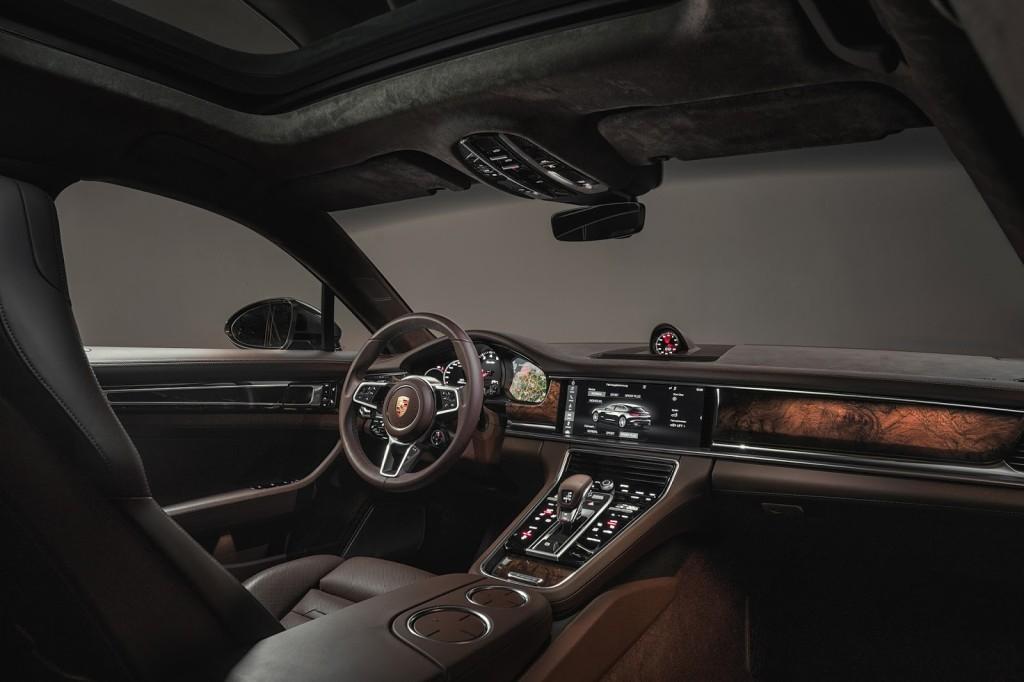 Porsche  Porsche_Panamera_Sport_Turismo_7_1024x682