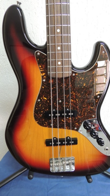 Fender Jazz Bass Reissue '62 MIJ Image