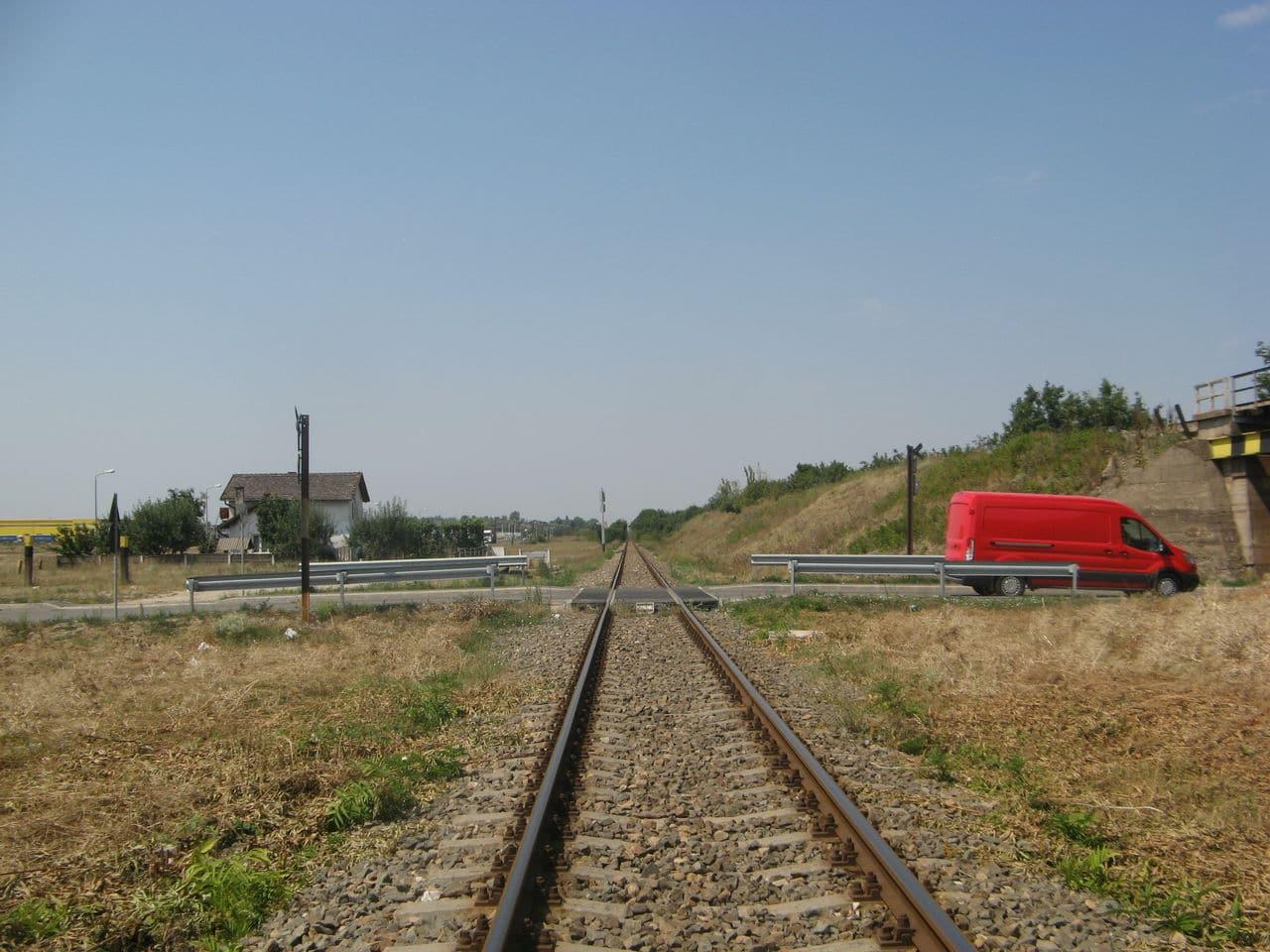 Calea ferată directă Oradea Vest - Episcopia Bihor IMG_0058