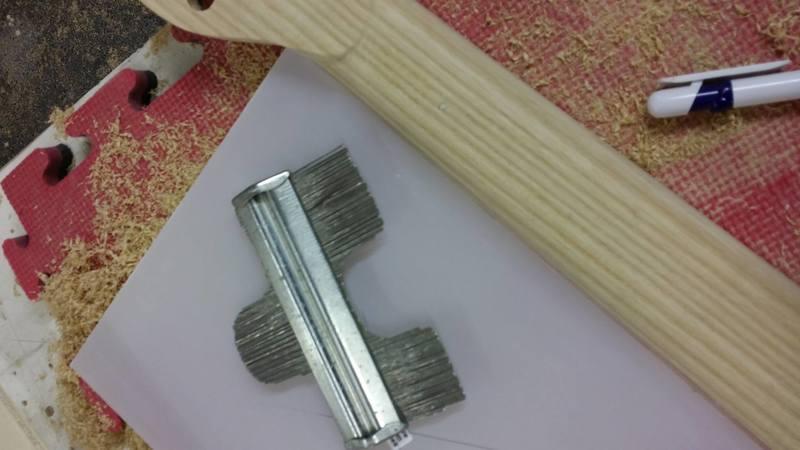 Construção caseira (amadora)- Bass Single cut 5 strings - Página 6 12630670_10153921113909874_699850373_o