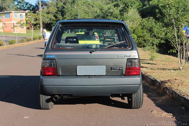 Auto Storiche in Brasile - FIAT - Pagina 6 Uno_1_6_R_foto_02