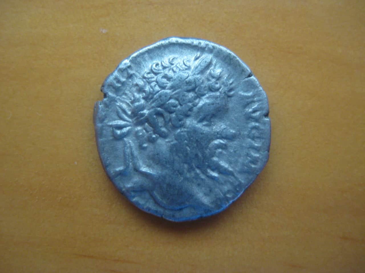 Denario de Septimio Severo. VICT AVGG COS II PP. Roma IMG_1554