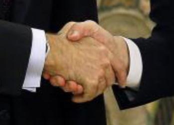 Allgemeine Freimaurer-Symbolik & Marionetten-Mimik - Seite 5 Handshake