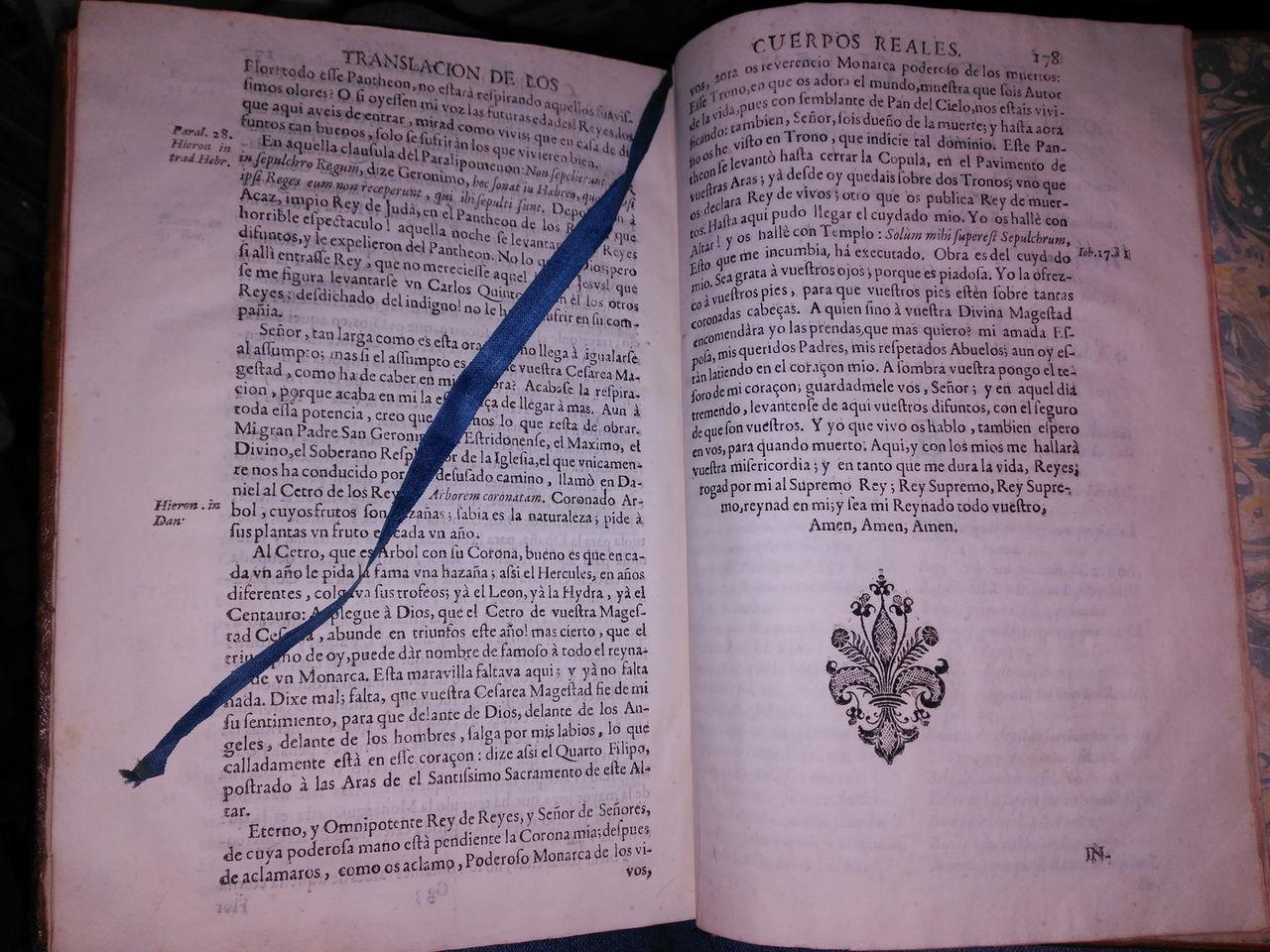 Libro sobre el Real Monasterio de San Lorenzo de el Escorial. Dedicado a Marqués de la Ensenada. Interior_punto_lectura