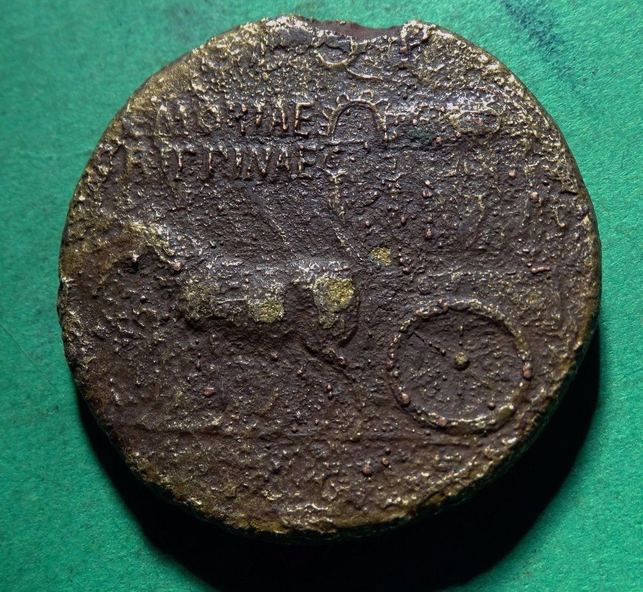 Sestercio póstumo de Agripina I. S P Q R  MEMORIAE  AGRIPPINAE 57_1