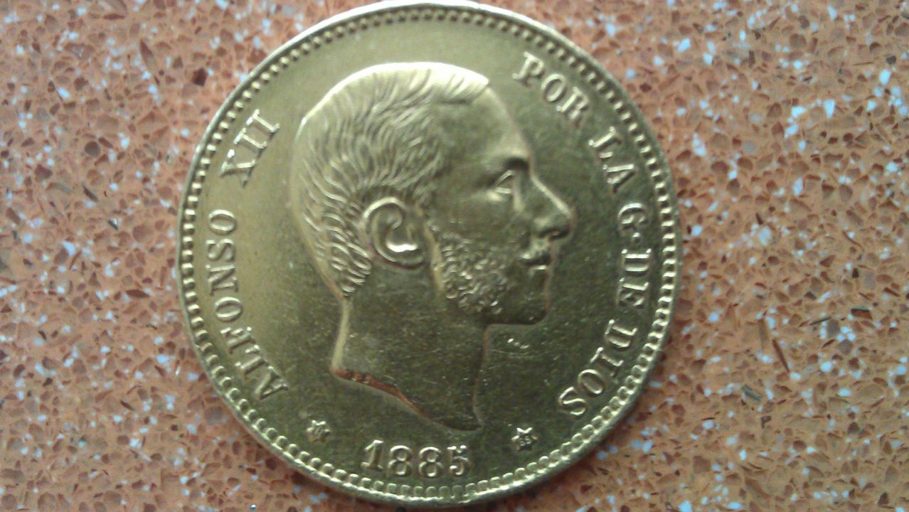 25 pesetas Alfonso XII 1876* 75? IMAG0357