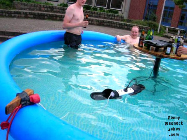 Tema humor - Page 2 Redneck_pool_safety