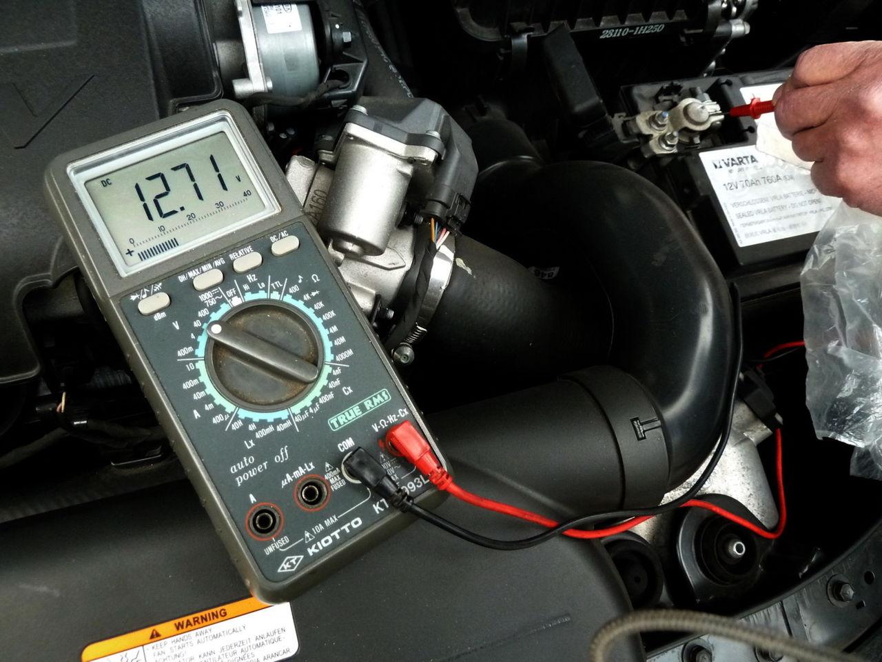 Kia Cee'd ED 1.6 CRDI TX (04.2011)  - Página 4 Teste_bateria