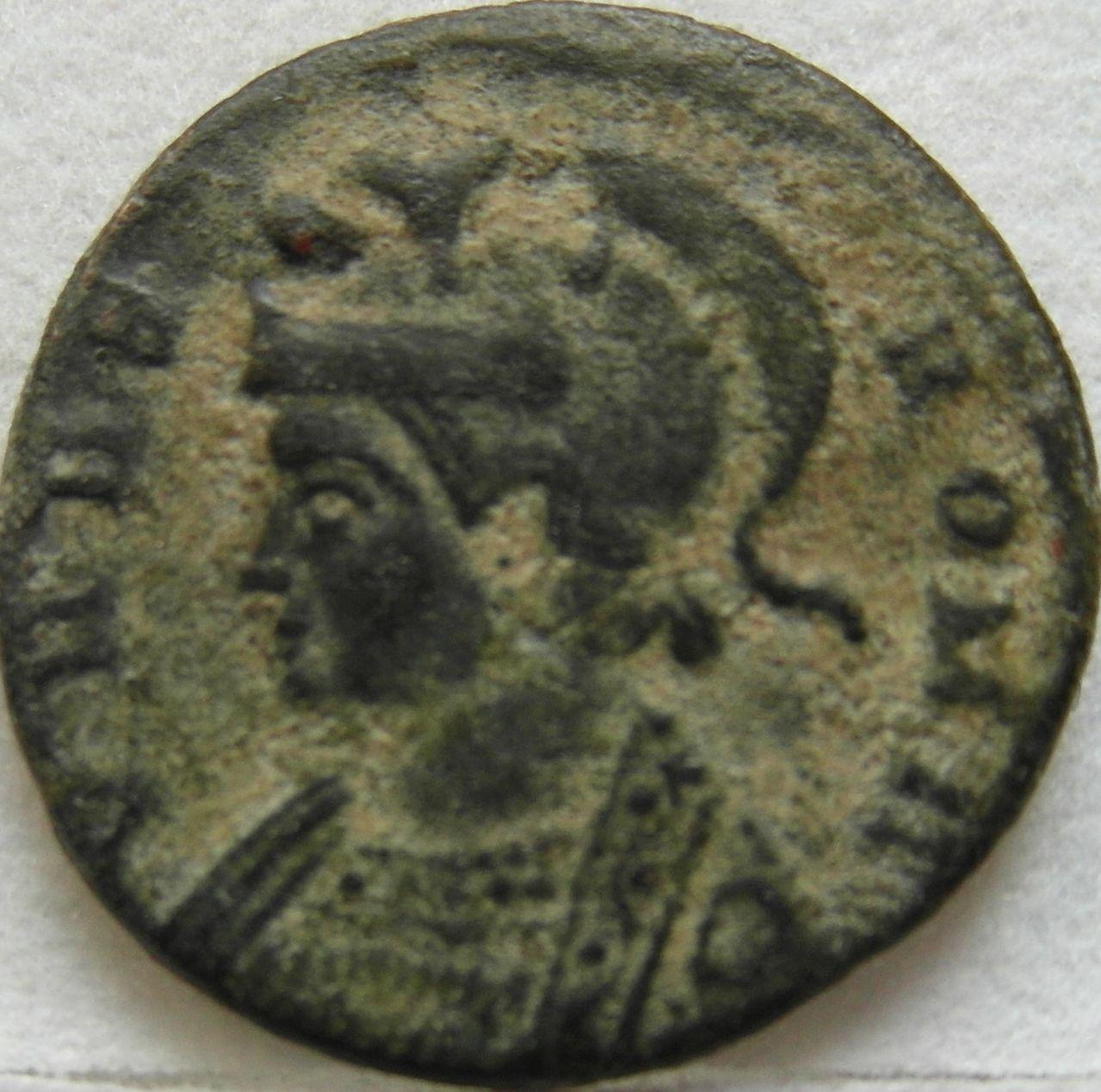 AE3 Conmemorativa de Roma. Lyon SAM_0216_crop