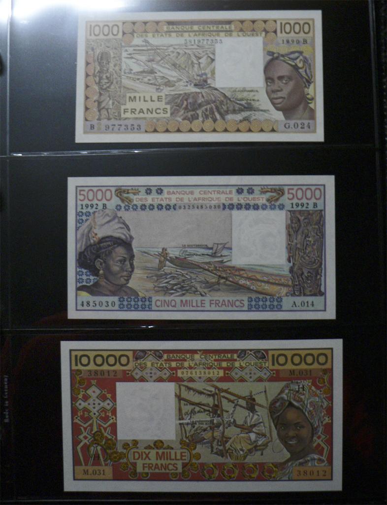1000 Francos Estados del África del Oeste, 1990. Wass1