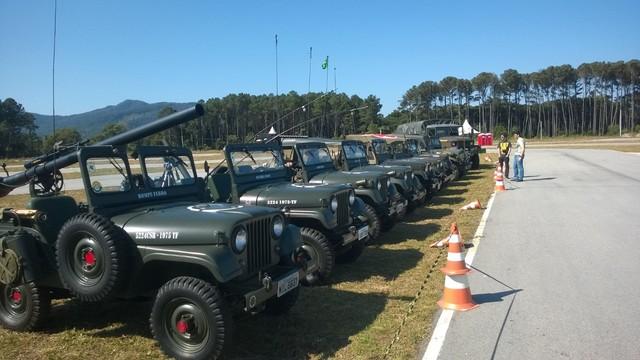 Veteran Car Club a Florianopolis Militares_1