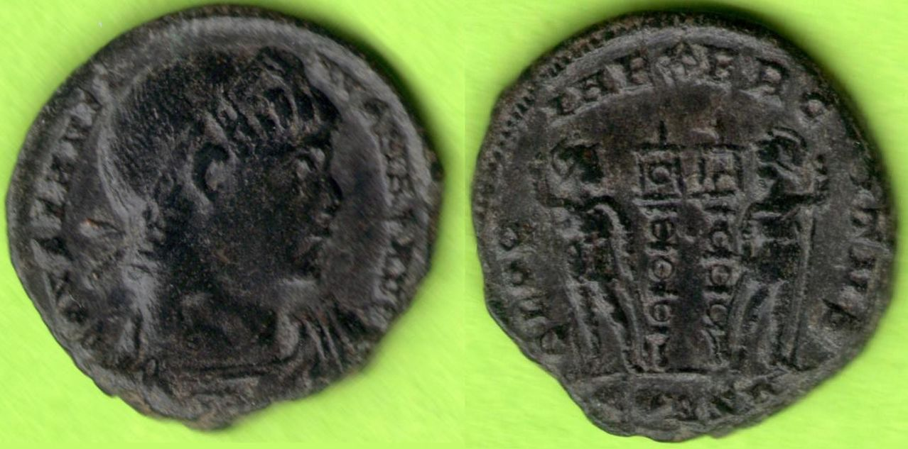 Follis de Constantino I Magno 330 - 333 d. C. GLORIA EXERCITVS. Constantinopolis Anverso_y_reverso
