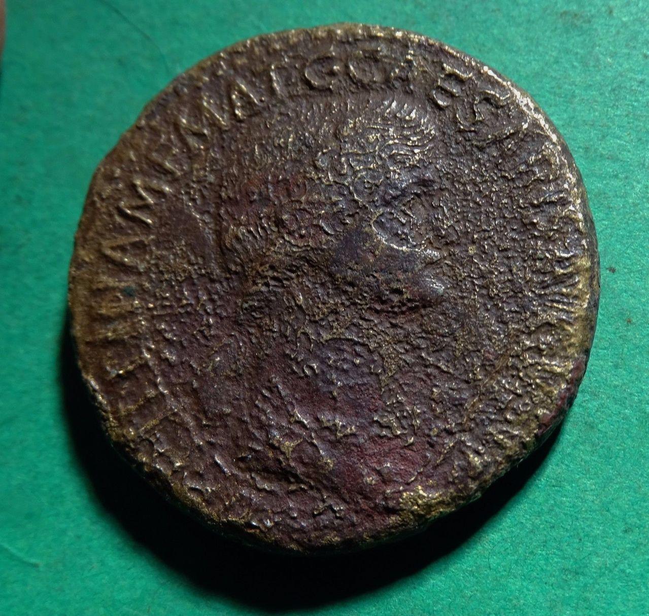 Sestercio póstumo de Agripina I. S P Q R  MEMORIAE  AGRIPPINAE Image