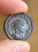 Antoniniano de Diocleciano. IOVI CONSERVATORI AVGG. Victoria presentado corona a Diocleciano. Ceca Tripolis. IMG_3303