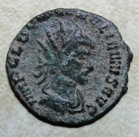 Antoniniano híbrido de Aureliano. CONSECRATIO. Altar encendido. 2017-06-18_20.51.48