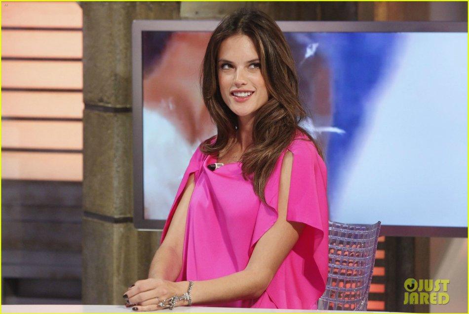 Alessandra Ambrosio - Страница 3 D78462d77f9a