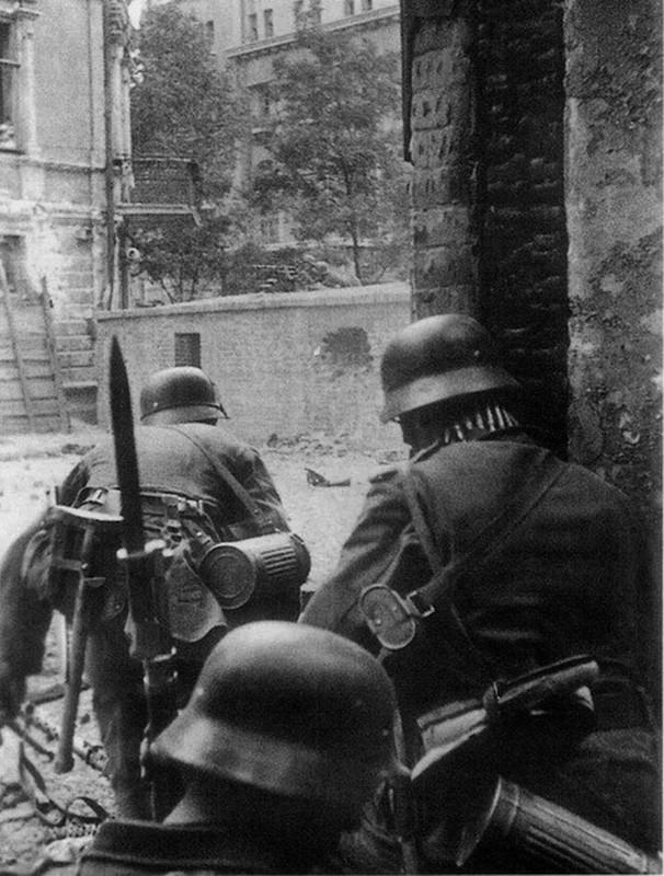 casco - Mis apuntes de WWII Bayoneta_2