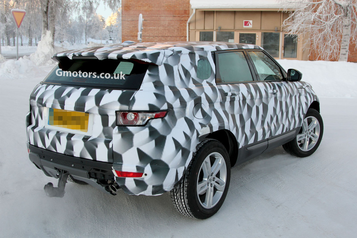 2014 - [Land Rover] Discovery Sport [L550] 2015_Land_Rover_Freelander_3_prototype_5