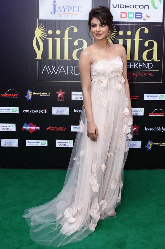 Priyanka Chopra (MISS WORLD 2000) - Page 3 Priyanka_Chopra_2012_IIFA_Awards_Day_3_G2_Em1fr_Tc