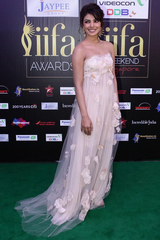 Priyanka Chopra (MISS WORLD 2000) - Page 3 Priyanka_Chopra_2012_IIFA_Awards_Day_3_r_VIZva_Jr5