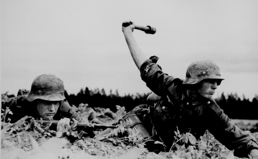 casco - Mis apuntes de WWII - Página 3 Granada_M24