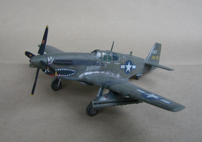 P-51 Mustang, Academy i P-51B Mustang (rebuild) Revell, 1/72 DSC02572