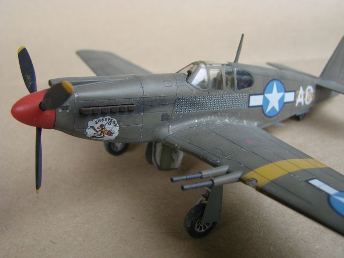 P-51 Mustang, Academy i P-51B Mustang (rebuild) Revell, 1/72 DSC02589