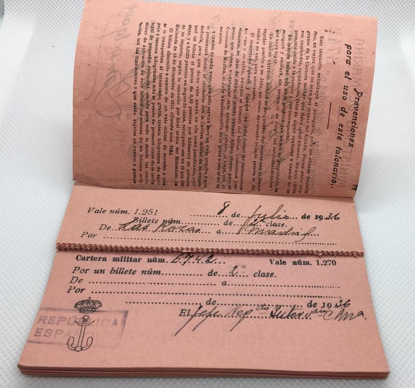 Talonario de 50 vales para viajes por ferrocarril. Ministerio de Marina, Serie Z 1936. 3_B2_DAA03-5912-4_CFE-_AEE1-13_E620_C19830