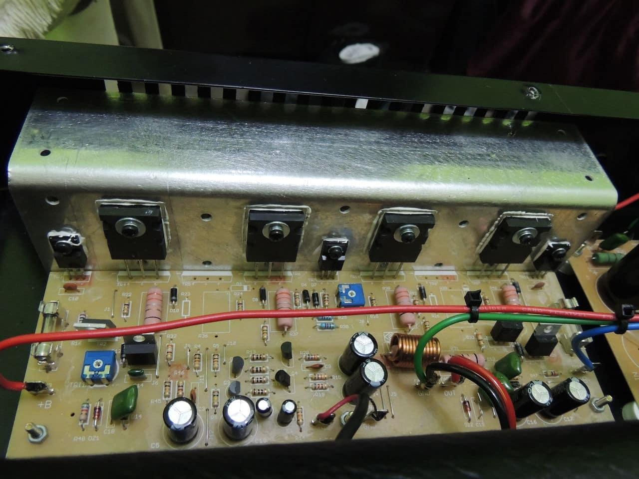 Borne Impact Bass CB200 - 200RMS Modelo novo DSCN6749