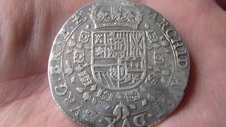 Patagón de Felipe IV, Amberes. 1633, dedicada al rey de los escudos SAM_1139