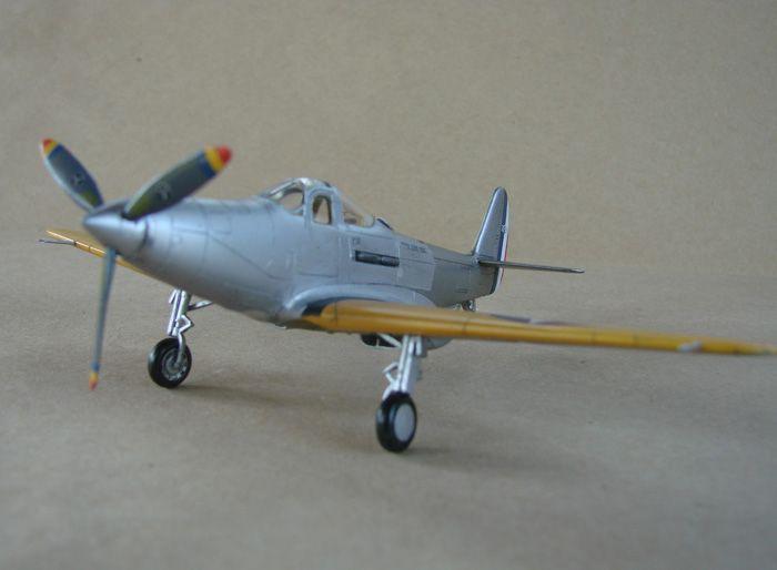 Bell XFL-1 Airabonita, RSmodels, 1/72 DSC02323