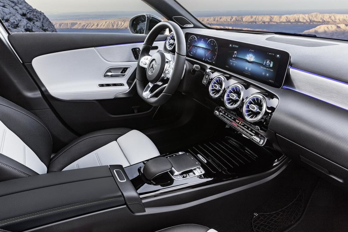 Classe A 2019 revelado 2019-_Mercedes-_Benz-_A-_Class-_Hatch-30