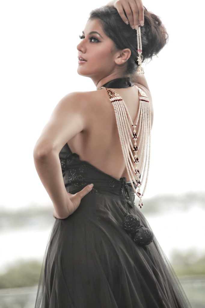 Lovely Taapsee Pannu new PhotoShoot images Tapsee_Latest_Hot_Photo_Shoot_5
