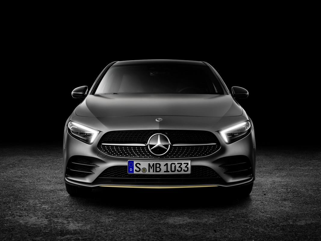 Classe A 2019 revelado 2019-_Mercedes-_Benz-_A-_Class-_Hatch-57