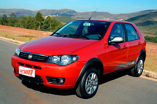 Fiat in Brasile - Pagina 2 Palio_Fire_2015