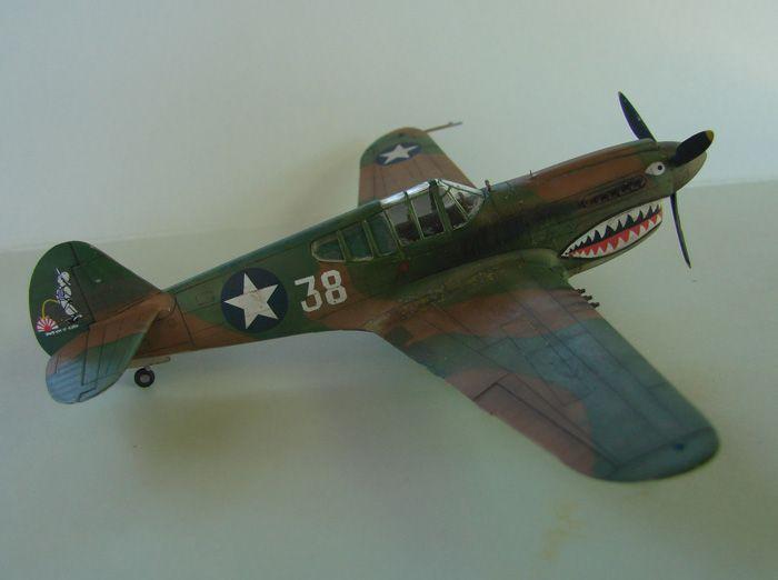 P-40E, Hobby Boss, 1/72 DSC03367