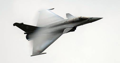 India's Power - growing MIC - Page 3 Rafale_505_100716073154