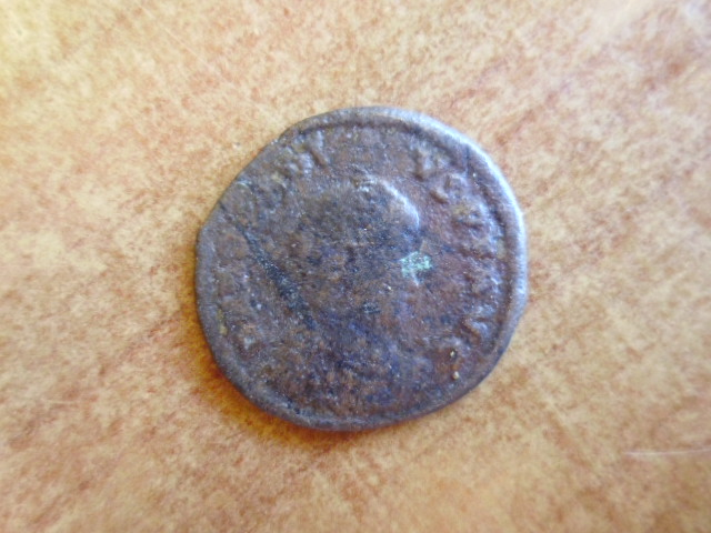 AE2 de Teodosio I GLORIA ROMANORVM. Constantinopla P1100288