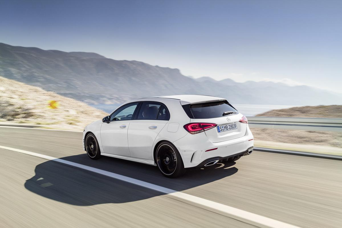 Classe A 2019 revelado 2019-_Mercedes-_Benz-_A-_Class-_Hatch-04