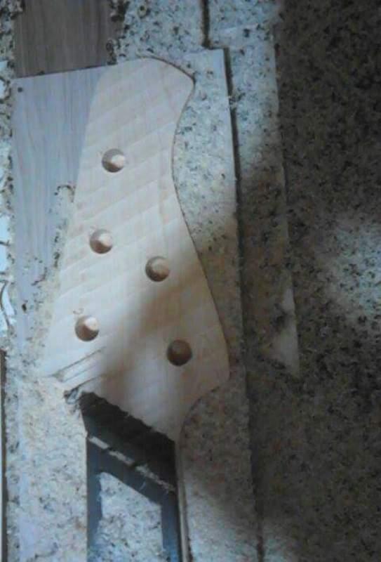 Construção SMartyn Super Jazz Bass 5 Custom Received_934437139968627