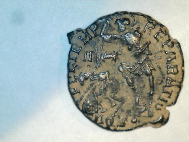 AE3 de Constancio II. FEL TEMP RE-PARATIO. Soldado alanceando a jinete caido. Ceca Aquilea. 2016_10_21_0002_0_X