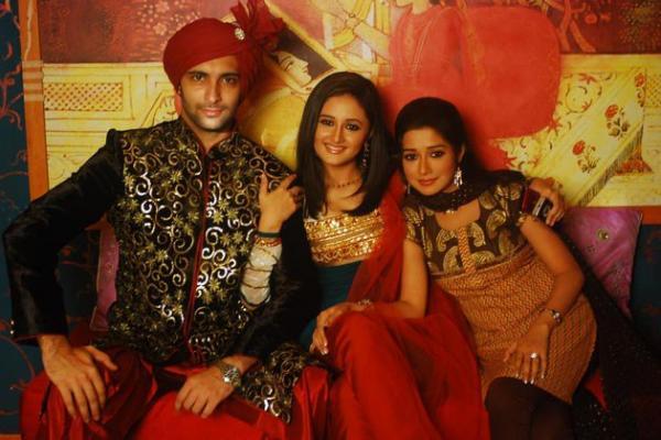 მსახიობები და მათი მეგობრები - Page 3 Tina_Dutta_20120813040813