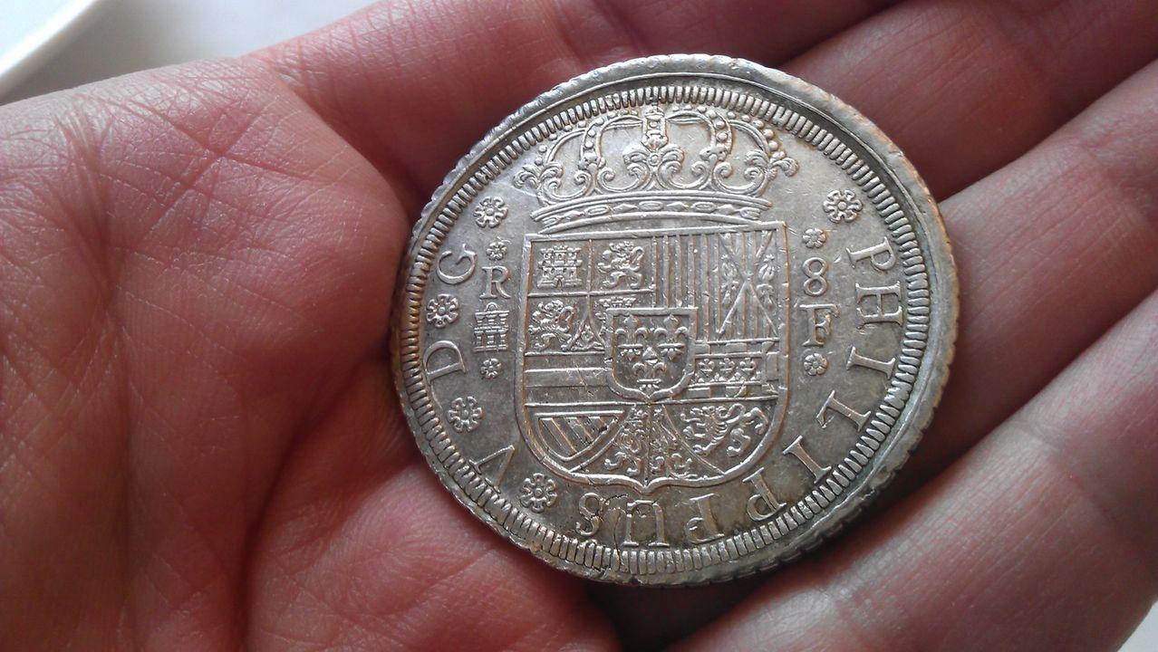 8 reales FELIPE V 1727 Segovia IMAG2171