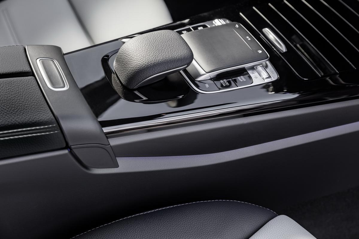 Classe A 2019 revelado 2019-_Mercedes-_Benz-_A-_Class-_Hatch-24