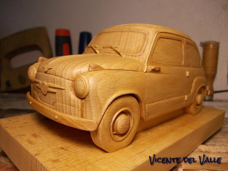 Nuestros coches en Miniatura - Página 3 Seat_600_N_de_madera_delante